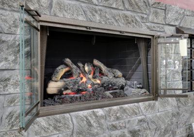 Fireplace Wall-Gas Logs